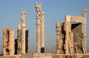 Nations_Gate_palace_(kakh-e-darvaz-e-keshvarha)_in_Persepolis.tif