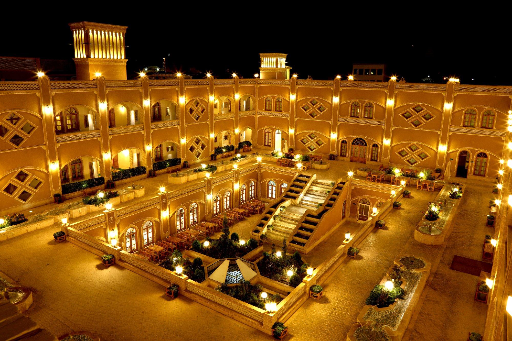 Dad Yazd hotel