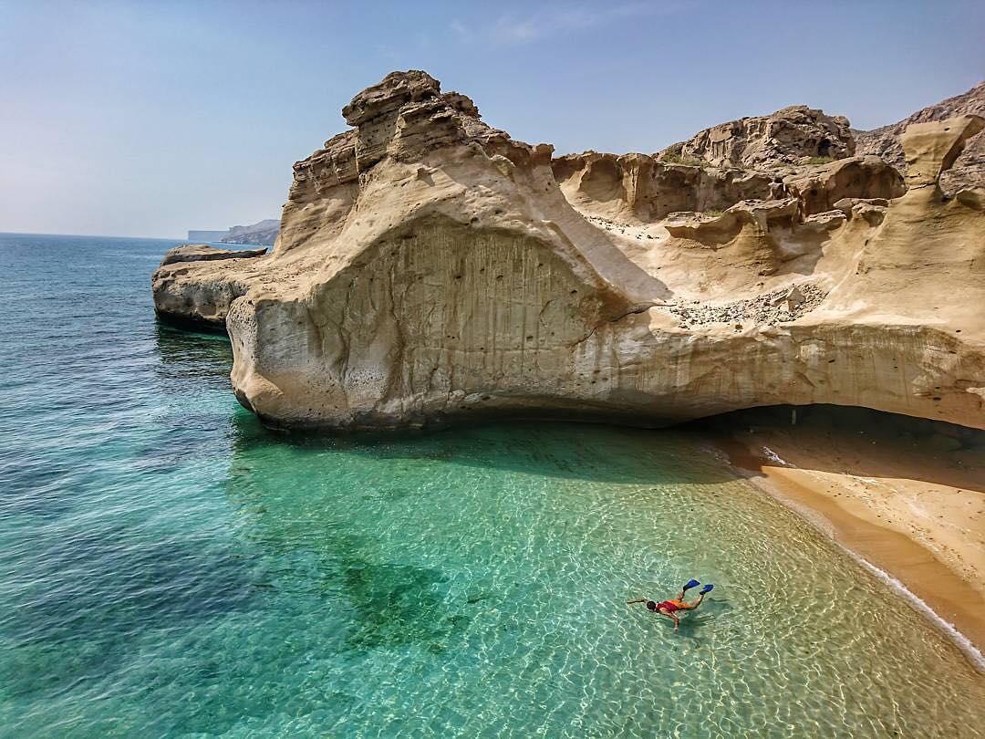 behnoud beach-asalouyeh