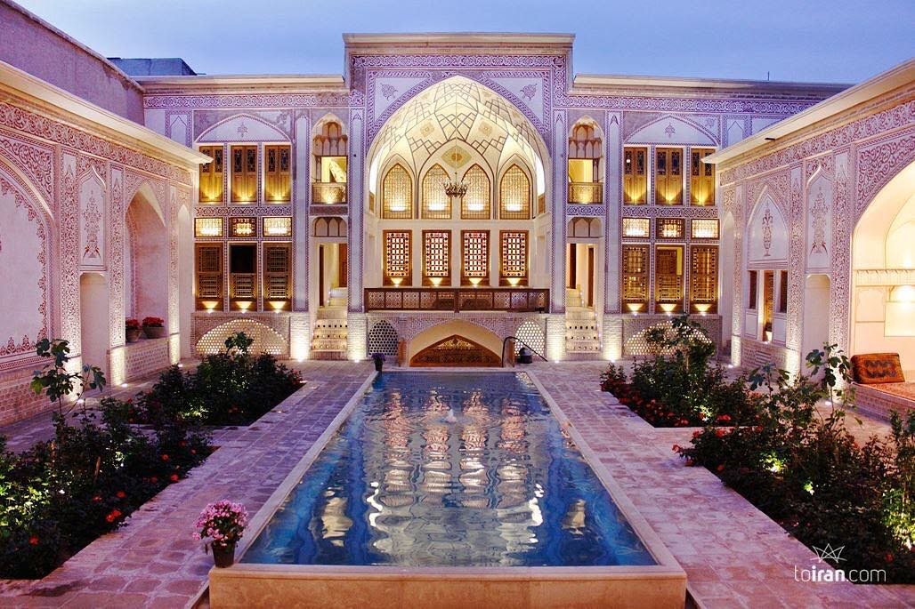 Mahinestan Traditional House Kashan